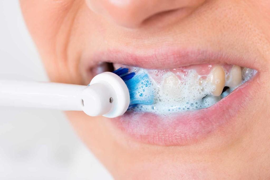 Отбеливание зуба мертвого: виды, цена и фото